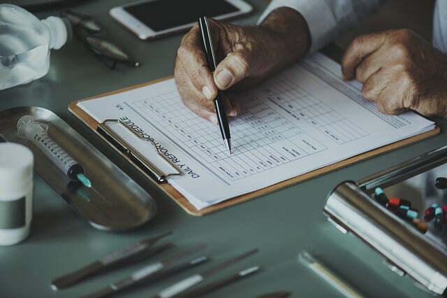 Checklist paperwork by Franson Chiropractor doctor