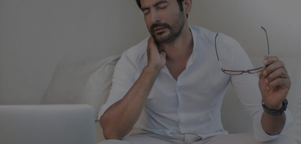 see a chiropractor in houston for neck pain